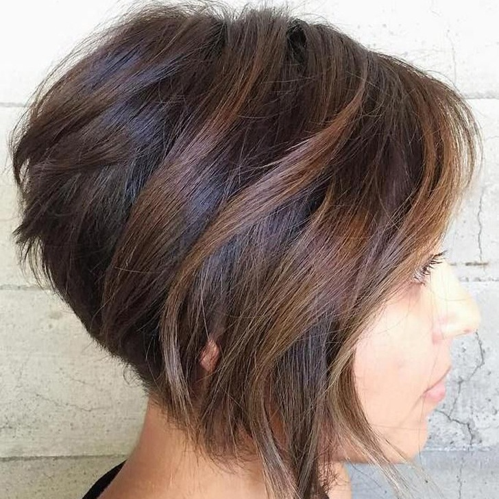 20-beautiful-and-easy-medium-bob-hairstyles-for-women-at-any-age_16
