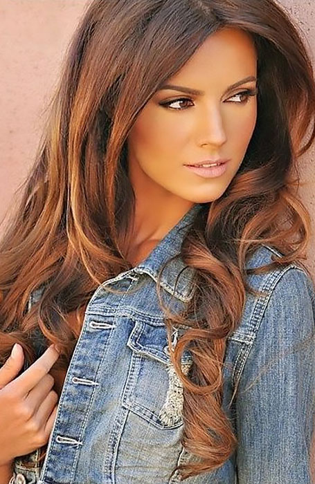 Dark Red-Brown Hair with Caramel Highlights