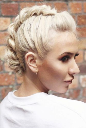 Mohawk Updo For Short Hair #shorthair #updo #braids #fauxhawk