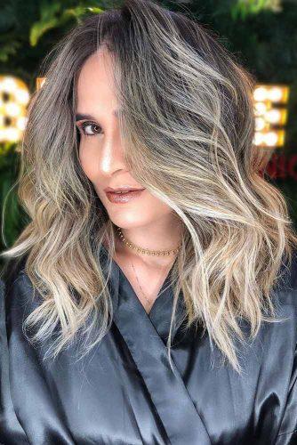 Platinum Blonde Highlights On Medium Haircut #mediumhair #wavyhair