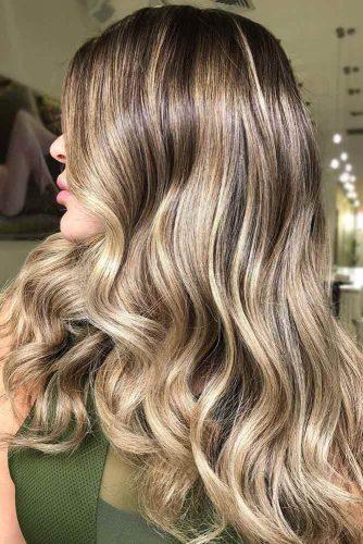 Reasons To Keep A Dark Blonde Hair Color Caramel #blondehair #highlights