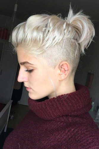 Short Pony For Undercut Bob #undercutbob #haircuts #undercut #bobhaircut