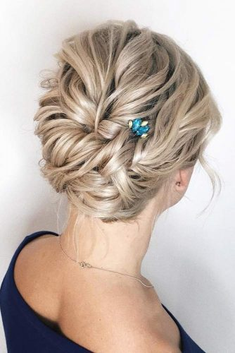 Updo Accessorized Hairstyles For Christmas Party #shorthairstyles #christmashairstyles #hairstyles #updohairstyles