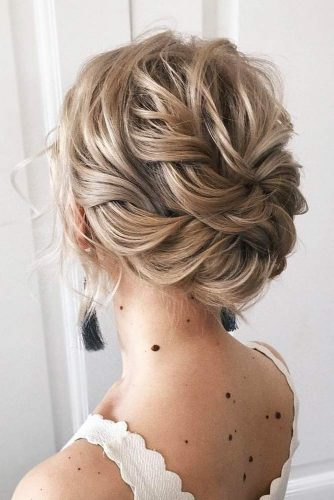 Updos Hairstyles For Christmas #shorthairstyles #christmashairstyles #hairstyles #updohairstyles
