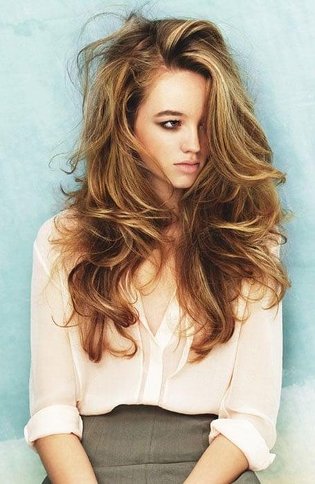 Warm Blonde Highlights in Brown Hair