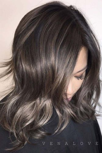 Amazing Ideas of Medium Haircuts for Perfect Look picture 4