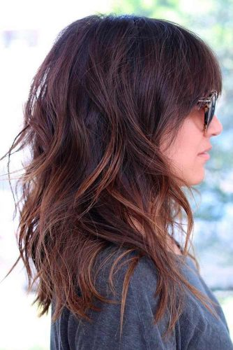 Amazing Ideas of Medium Haircuts for Perfect Look picture 1