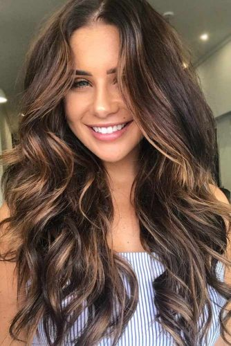 Amazing Long Highlighted Hair picture1