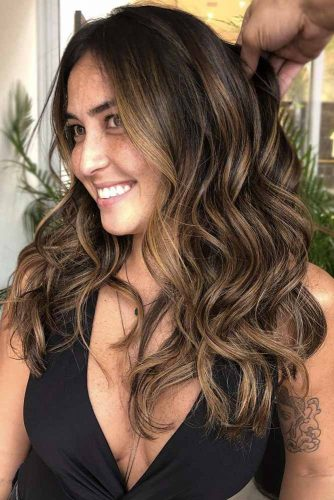 Amazing Long Highlighted Hair picture3