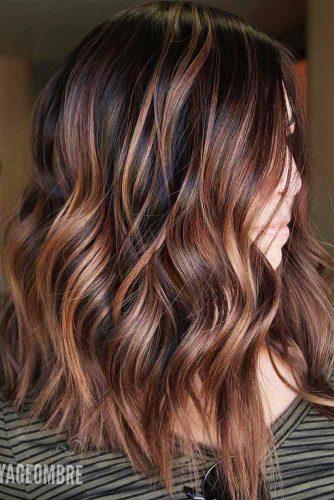 Beach Wavy Hairstyles For Brunette Girls With Chocolate Highlights #beachhairstyles #wavyhair #mediumlengthhairstyles #longbob #chocolatehighlights