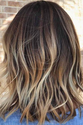 Beach Wavy Medium Length Hairstyles picture3