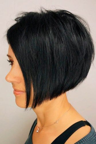 Black Rounded Inverted Long Tousled Layers #layeredhairstyles #blackhair