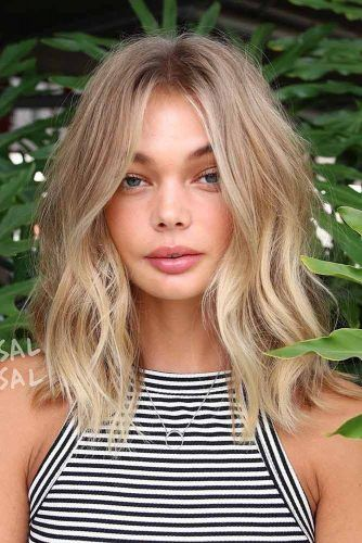 Blonde Middle Parted Haircut #layeredhaircuts #layeredhair #haircuts