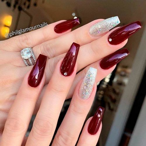 Burgundy Coffins With glitter Accented Finger #glitternails #rhinestonesnails #coffinsnails