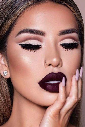 Burgundy Lipstick Matte Makeup Ideas to Try This Season picture 6