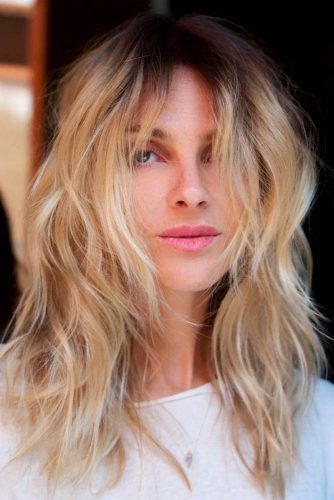Chic Layered Blonde Hairstyles #blondehair #layeredhairstyles