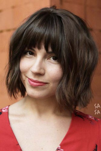 Chocolate Brown Layered Bob With Bangs #shorthaircuts #bobhaircuts #bobwithbangs