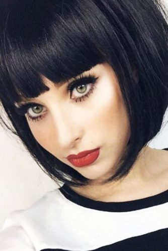 Classic Short Hairstyles with Bangs picture 3