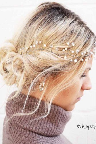 Classy Christmas Hairstyles for Short Hair Picture 3