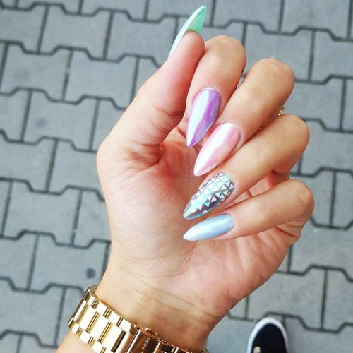 Colorful Eye-Catchy Almond Nails to Make Your Look Bright Picture 4