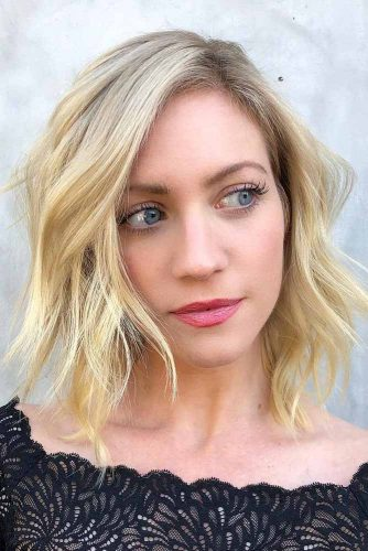 Easy Medium Length Hairstyles For Thick Wavy Hair #mediumlengthhairstyles #mediumhair #hairstyles #longbob #blondebalayage