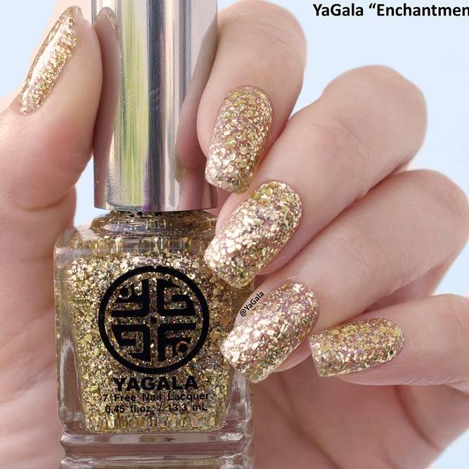 Every Day Is A Holiday With Gold Glitter Nails Picture 4