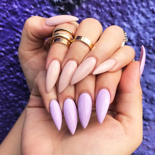 Glamorous Nude Almond Nails for Any Outfit Picture 2