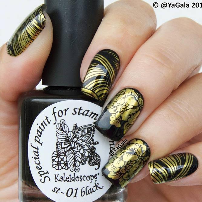 Gold Nails With Stamping Picture 3