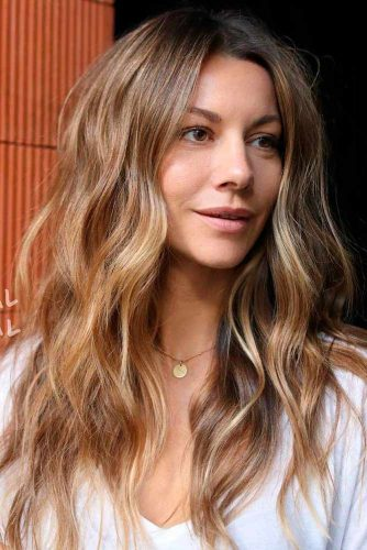 Light Brown Hair With Blonde Highlights #brownhair #blondehighlights
