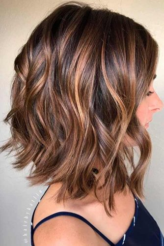 Loose Curls With Highlighted Fringe