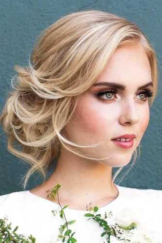 Lovely Hair Styles for Medium Hair picture 2
