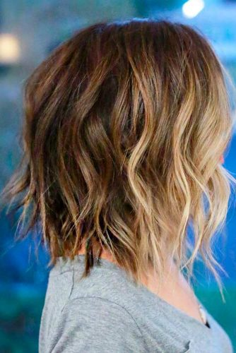 Lovely Medium Hair Styles With Layers picture 2
