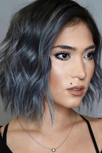 Medium Layered Bob Hairstyle #bluebob #bobhaircut #wavybob