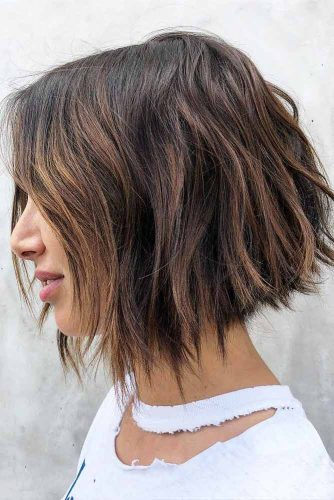 Medium Length Hairstyles For Thick Hair #mediumlengthhairstyles #mediumhair #hairstyles #bobhaircut #brownhair