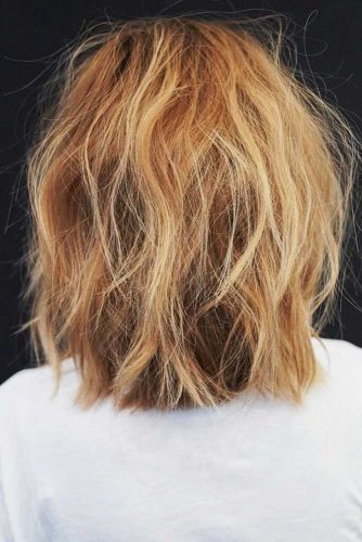 Messy Blonde Shoulder Length Bob Hairstyle #mediumhair #bob #messyhair