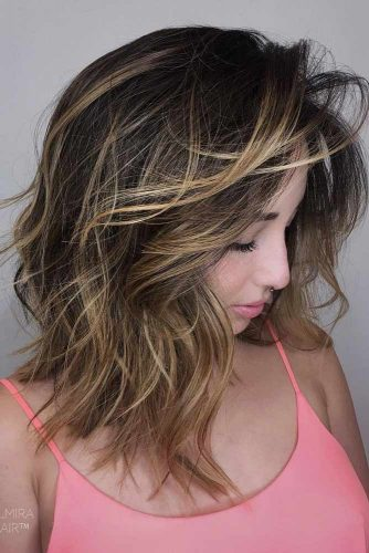 Messy Middle Length Hairstyle picture 1
