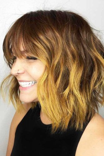 Messy Shoulder Length Haircuts With Bangs #shoulderlengthhair #layeredhaircuts #mediumhair #haircuts
