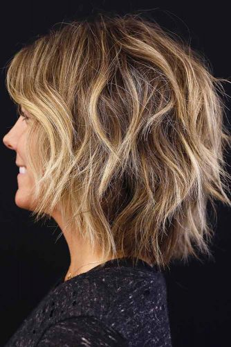 Messy Shoulder Length Hairstyle #shaghairstyles #shaghaircuts #mediumlength #hairstyles #blondehighlights