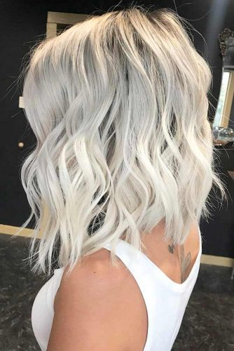 Middle Parted Wavy Messy Lob #shoulderlengthbob #bobhairstyles #hairstyles #mediumhairstyles #wavyhair