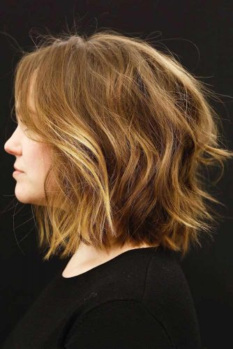 Modern And Classy Shag Hairstyle #shaghairstyles #shaghaircuts #mediumlength #hairstyles #goldenhighlights