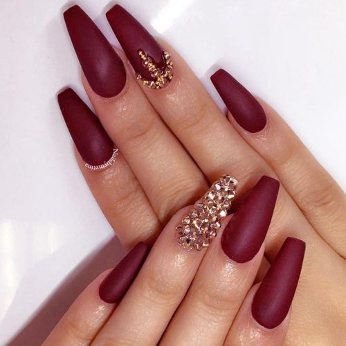 Popular Nail Designs in Burgundy Colors picture 2