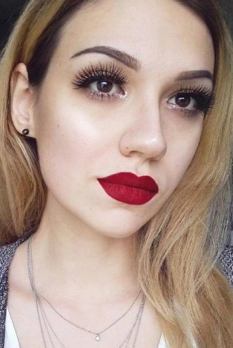 Red Lipstick Looks for Girls with Blonde Hair picture 5