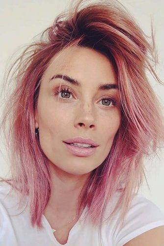 Ruffling Up Your Pink Layered Hair #shorthaircuts #bobhaircuts #sidepart #pinkhair