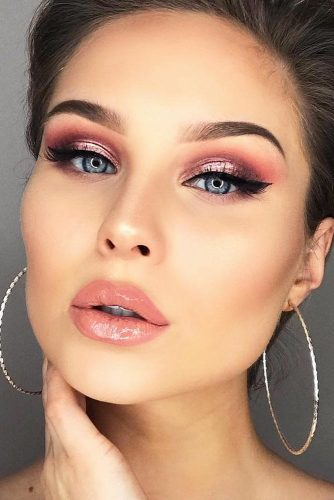 Sexy Makeup Ideas With Cat Eye Eyeline Style picture 1