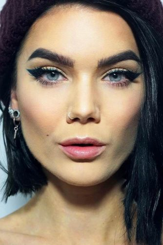 Sexy Makeup Ideas With Cat Eye Eyeline Style picture 5