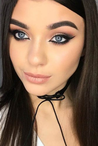 Sexy Makeup Ideas With Cat Eye Eyeline Style picture 6