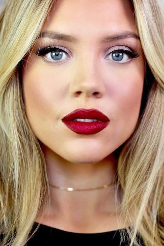 Sexy Makeup with Red Lipstick picture 5