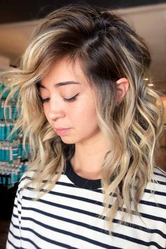 Shag Haircut With Side Bangs #shaghairstyles #shaghaircuts #mediumlength #hairstyles #blondehighlights