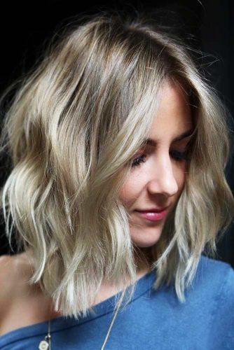 Shaggy Medium Hairstyles For Blonde Girls #mediumhair #wavyhair #layeredhair