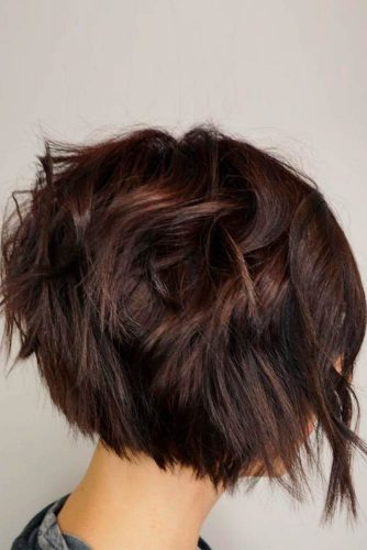 Short Messy Inverted Bob With Choppy Layers #brownhairstyles #shorthairstyles